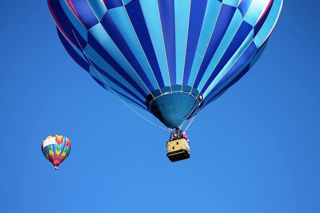 hot-air-balloon-1718440_1280